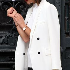 A #ckminute with blogger @Modedamour, wearing the Round dial watch in rose gold from Calvin Klein Watches + Jewelry.