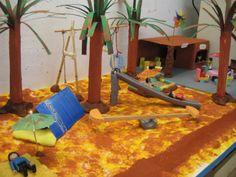 camping speeltafel 06   Nutsschool Maastricht. Gemaakt met playmobil.