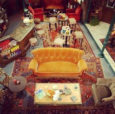 Visit Friends TV set and meet the cast *o* --Friends Central Perk