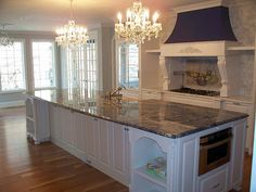 Gorgeous island in kitchen