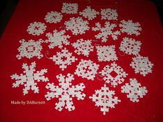 Puzzle piece snowflakes inspired by kimboscrafts.blogspot.com I had fun!!!