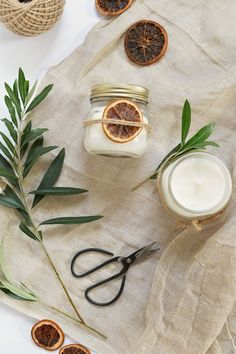 diy christmas scented candles