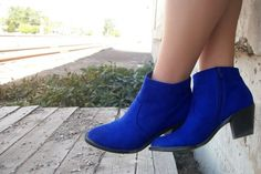 l MyHotShoes Street Style l Bold Blue Boots « myhotshoes #JulepColorChallenge #CreateYourJulepColor