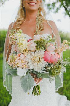 beautiful blush and cream #bouquet @weddingchicks
