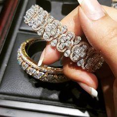 Monday Morning Blues Vanished after setting eyes on this Stunner! #diamonds #pears #ovals #rosegold #whitegold #pure #quality #bangles #diamondsareagirlsbestfriend #mumbai #cannes #stropez #london #dubai #paris #newyork #love