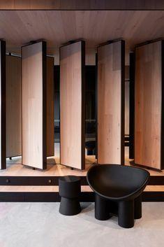 Contemporary Kitchen Design, Modern Design, Hidden Doors In Walls, Wall Design, House Design, Mim Design, Black Interior Design, Showroom Design, Iquitos
