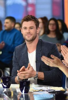 😇😇😇😇 Hemsworth Brothers, Chris Hemsworth Thor, Snowwhite And The Huntsman, Avengers Team, Point Break, My Superhero, Marvel, Colin O'donoghue, Men's Grooming