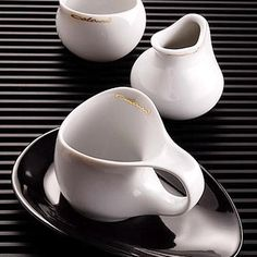 Luigi Colani - Porcelain with a curved and modern shape