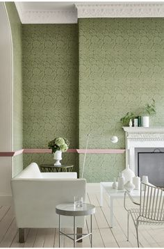 Palace Road - Oakes Wallpaper by Little Greene. The pink dado rail in this scheme adds a pop of warm colour to this scheme and really accentuates this beautiful wallpaper. A great idea to try at home. Bathroom Wallpaper Trends, Hallway Wallpaper, Accent Wallpaper, Luxury Wallpaper, Of Wallpaper, Beautiful Wallpaper, Wallpaper Ideas, Pattern Wallpaper, Yurts