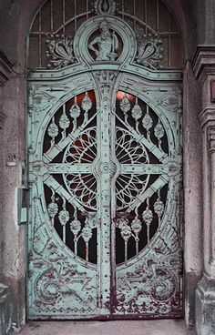 Doors in Hungary