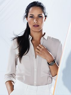 Rolex testimonee Ana Ivanovic has navigated herself to the top of women's tennis with grace and remarkable skill. The Serbian Grand Slam winner wears a Rolex Oyster Perpetual Yacht-Master 37 in 18 ct Everose gold.