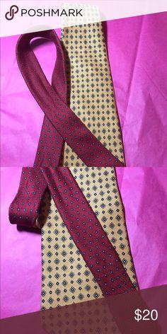 "Tommy Hilfiger Designer 100% Silk Men's Tie 👔 Tommy Hilfiger Designer 100% Silk Men's Tie 👔Copper Gray Black Beautiful Design 58"" Long EXCELLENT Condition Tommy Hilfiger Accessories Ties"