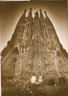 casi construida la Sagrada Familia, Barcelona