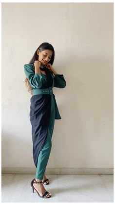 Indian Fashion Dresses, Dress Indian Style, Indian Designer Outfits, Girls Fashion Clothes, Stylish Sarees, Stylish Dresses, Diy Fashion, Fashion Outfits, Fashion Tips