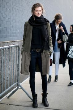 Ankle boats outfit fall casual street style minimal chic 31 Ideas for 2019 Looks Street Style, Looks Style, Style Me, Models Off Duty, Mode Outfits, Fashion Outfits, Womens Fashion, Streetwear, Jeans Trend