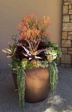 35 Beautiful Fall Planters Outdoor Ideas For Awesome Home Front 0020 – DECOOR