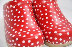 polka dot lovely ok so  i have a thing for polka dots AND clogs - Tupfen Pünktchen