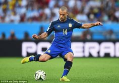 Javier Mascherano of Argentina in action during the 2014 FIFA World Cup Brazil Final match between Germany and Argentina at Maracana on July 13 World Cup 2014, Fifa World Cup, Argentina National Team, World Cup Final, Sports News, Finals, Running, Brazil, Life