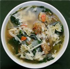 Best soup ever! Italian Wedding Soup Recipe ~ This soup is UN-BELIEVABLY good. chock-full of meatballs and pasta and vegetables Italian Wedding Soup Recipe, Italian Soup, Italian Bread, Italian Pasta, Hearty Soup Recipes, Cooking Recipes, Healthy Recipes, Comfort Food, Soup And Sandwich
