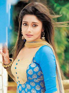 Tina Dutta (Meethi in 'Uttaran') #Style #Bollywood #Fashion #Beauty