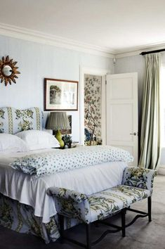 Lovely mix of lavender, green, florals, and stripes in the English country style house in the Australian countryside. girlyme: (via home decor :))) / English country floral bedroom dustjacket attic: Georgian Style Floral Bedroom, Bedroom Decor, Master Bedroom, Botanical Bedroom, Blue Bedroom, Bedroom Colors, Attic Design, Interior Design, Luxury Interior