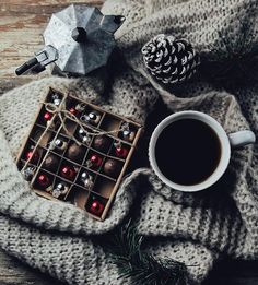 Morning vibes ✨ I'm going to make some cinnamon and cardamom pastry  later I'll show you the result  Good morning ❤️ / Утро должно начинаться с хорошего кофе в сочетании с шоколадными конфетами Вот такое у меня зимнее фото, так как я уже в предвкушении морозов за окном, падающих снежинок и запахов пирогов в доме нон-стоп  Сегодня, кстати, тоже буду печь кое-что с корицей и кардамоном. Результат покажу  Участвую в конкурсе #уютные_истории от @vassiliskina, @aymatveeva @natallid...