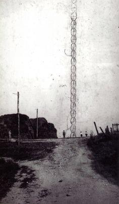 RUDY/GODINEZ: Constantin Brancusi, Construction of Endless Column, Targu Jiu, Romania