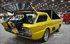 Dodge Deora concept pickup, for skinny folk only entry is through the front, no side doors