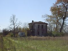 Supposedly haunted house on Kropp Road, Ohio