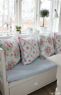 Shabby Chic florals on a beautiful window seat. Decor, Furniture, Chic Furniture, Shabby Chic, Shabby, Chic Decor, Pillows, Shabby Cottage, Chic Home Decor
