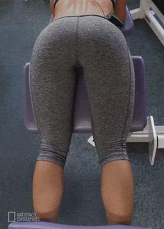 Did somebody say yoga pants?! (50 Photos)