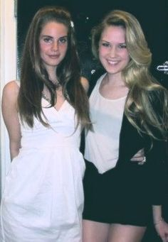 Lana Del Rey and her sister Chuck Grant #LDR