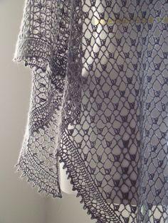 somuchyarnsolittletime:  (via crochet shawl | Yarn Art | Pinterest)