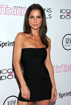 Kelly Monaco at an event for White Bird in a Blizzard Kelly Monaco, Brown Mid Length Hair, Classy Women, Sexy Women, Christina El Moussa, Celebrity Beauty, Dancing With The Stars, Celebs, Celebrities