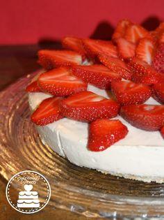 Strawberry cheesecake - Cheesecake fredda alla fragola Italian Foods, Italian Recipes, Cheesecake, Strawberry, Favorite Recipes, Fruit, Sweet, Candy, Cheesecakes