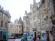 Edinburgh, Scotland bed and breakfast, cobblestone streets, castles, pubs