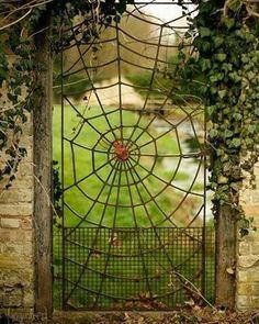 Metal Garden Gates, Garden Doors, Gothic House, Victorian Gothic, Cafe Geek, Gothic Garden, Goth Home Decor, Iron Gates, Gate Design