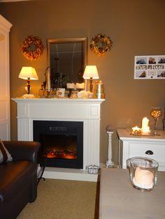 Inrichting woonkamer met kerstversiering