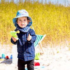 Este o super pălărie de soare ce asigură protejarea pielii celor mici și mari. Pălărie din bumbac organic 100 %  din culturi controlate biologic kbA.  Bumbacul pălăriilor de plajă este lipsit de aditivi chimici.    Pălării de vară cu printuri delicioase și haioase pentru pescarii mici și mari.  Tesătura pălăriilor pentru copii respectă mediul încojurător.  Toate produsele Pickapooh sunt fabricate în Germania. Bucket Hat, Hats, Model, Fashion, Moda, Bob, Hat, Fashion Styles