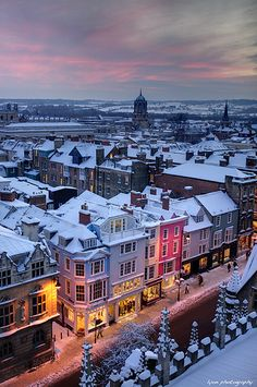 A snowy winter sunset over the Oxford skyline (by James Lyon)