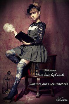 over knee high socks - lumiere dans les tenebres - lolita victorian lolita dress