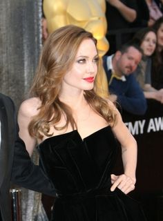 Should Angelina Jolie take more fashion risks?