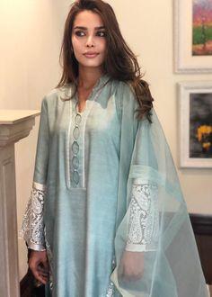 Embroidery On Kurtis, Kurti Embroidery Design, Designer Punjabi Suits, Indian Designer Wear, Kurta Neck Design, Silk Dupatta, Silk Pants, Pakistani Dresses, Cotton Silk