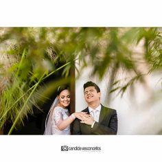 Antes do sim, só um toque ❤  Foto: @candidavasconcellos (Candida Vasconcellos)  Casamento Patrícia e Luiz Augusto  Conheça mais do nosso trabalho em:  www.candidavasconcellos.com.br