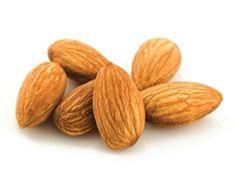 Uprkos visokom sadržaju masti, bademi potpomažu u mršavljenju jer sadrže puno proteina, vitamina i minerala. Ideja je da, za razliku od zasićenih masnoća, nezasićene masti koje se nalaze u bademima...