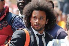 Marcelo Vieira a su llegada al hotel de concentración del equipo en Milán / EFE