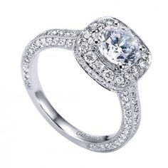 YES PLEASE! This super sparkly halo engagement ring can come join my ring finger anytime!