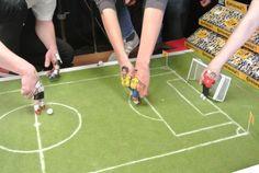Am Set: die Roberto Carlos Szene #PaperShot #Fingerfußball