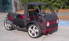 """Carrabusa - """"Just build a frame for the bike and mount some tiny cab on it"""" [xpost /r/WeirdWheels] Suzuki Carry, Custom Trikes, Microcar, Reverse Trike, Trike Motorcycle, Car Mods, Mini Bike, Bicycle Design, Kit Cars"""