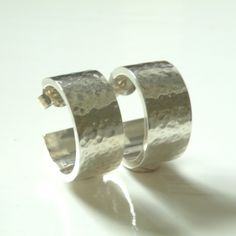 Handgemaakte, zilveren oorbellen van Hearts Design | Markita.nl